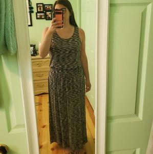 Maxi Dress - Women's Large Flowy, Hip Dress